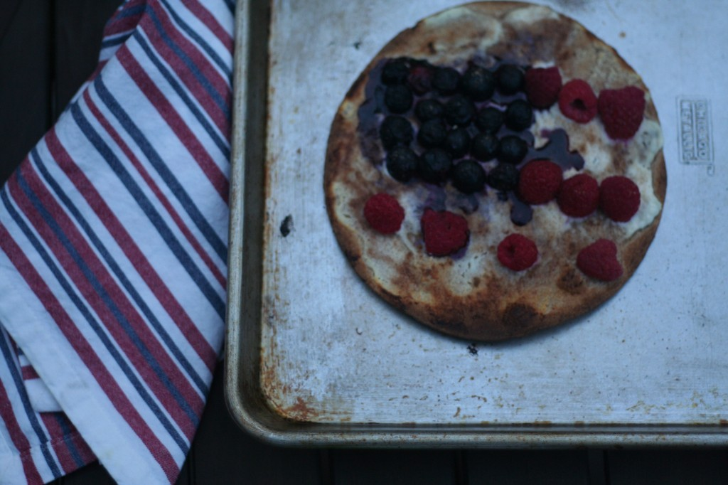 red white and blueberry pizzas | foodietots.com