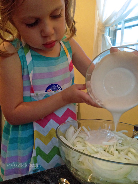 foodie tot makes fennel slaw