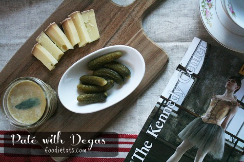 Paté with Degas | chicken liver pate recipe | foodietots.com