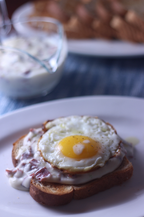 creamed chipped beef with fried egg | foodietots.com