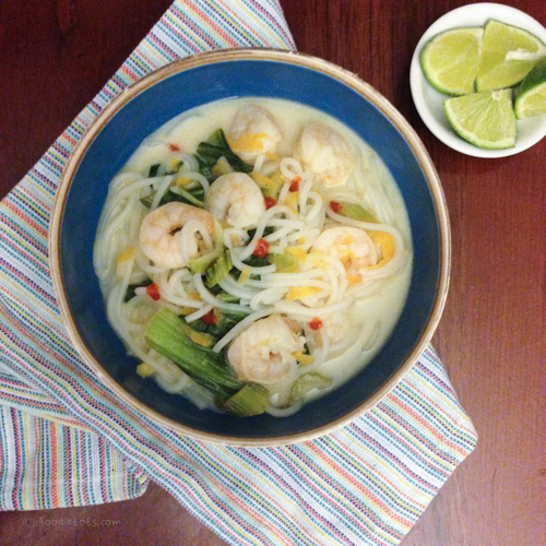 Thai Curry Shrimp Noodle Bowl recipe | foodietots.com